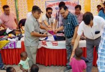 Uttarakhand-samiti-cloth-distribution